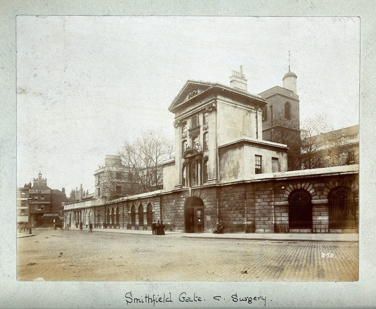 Photograph of Henry VIII gate – Wellcome Collection