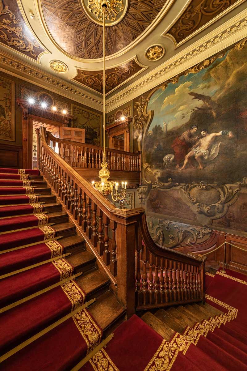 Hogarth Stair showing The Good Samaritan